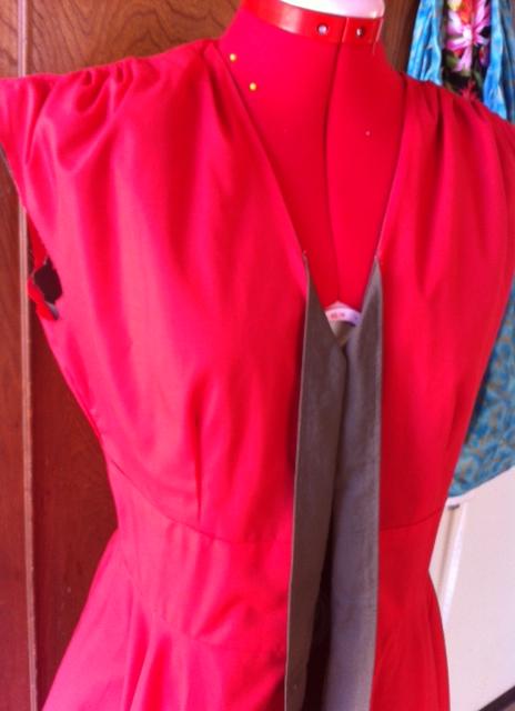 dress_redliner